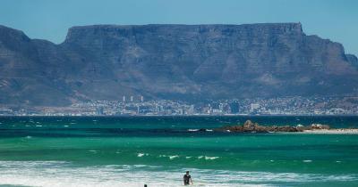 Tafelberg - Strand mit Windsurfer