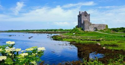 Galway - Dunguaire Castle